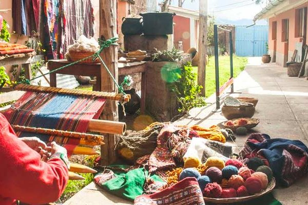 Textile art in the city of the rainbow – Chinchero