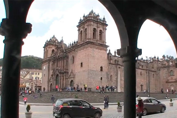Haven't you visited the Archways of Plaza de Armas of Cusco yet?