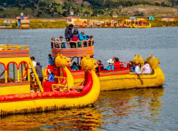 TOUR TO UROS & TAQUILE ISLANDS – TITICACA LAKE BY SPEED BOAT